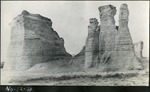 014_04: Different views of the Monument Rocks by George Fryer Sternberg 1883-1969